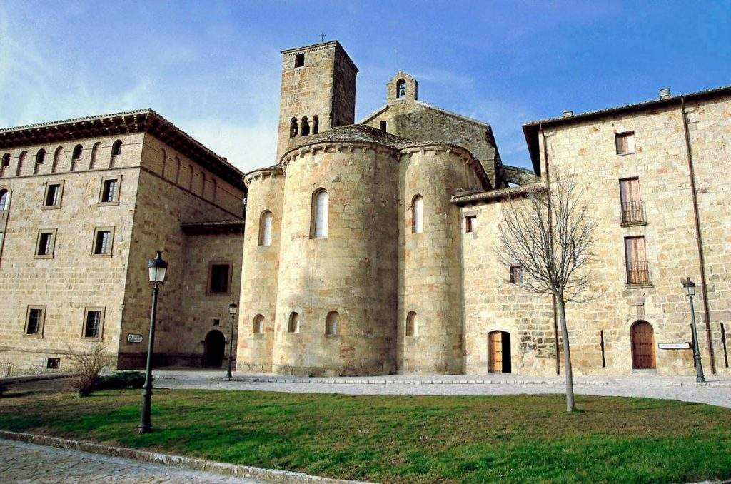 abadia de san salvador de leyre benedictinos monasterio de leire