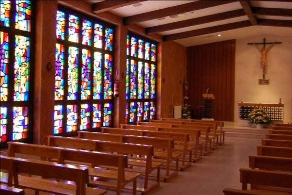 capilla de la universidad francisco de vitoria pozuelo de alarcon