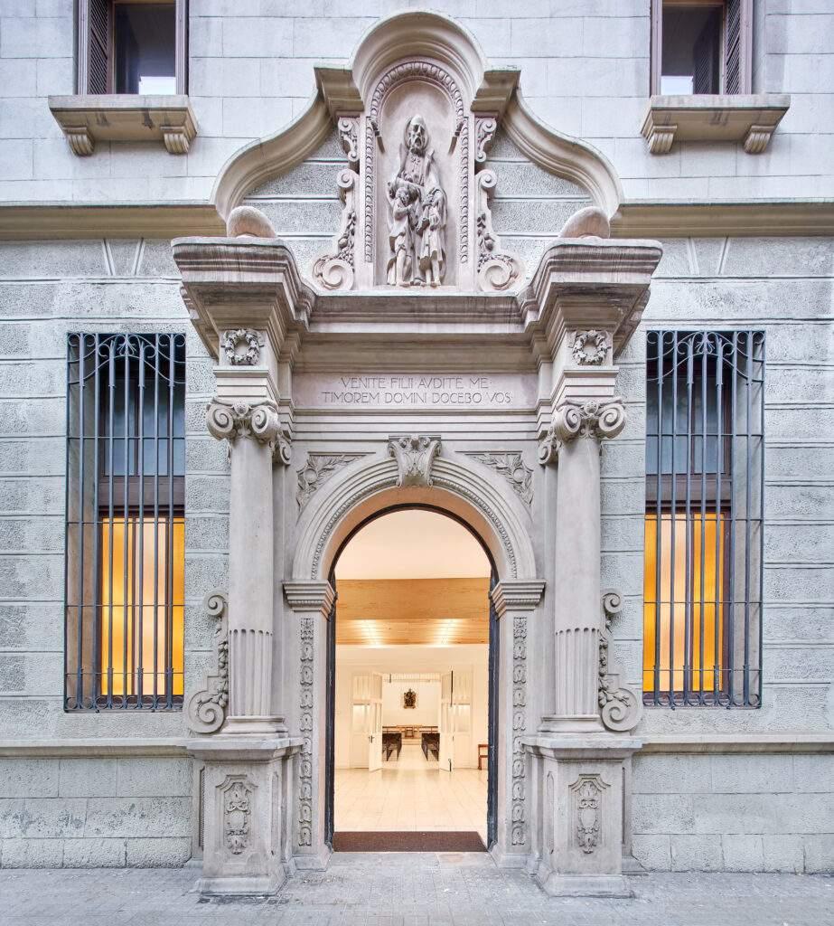 capilla de lescola pia balmes barcelona