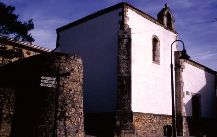 capilla de santa ana llanes