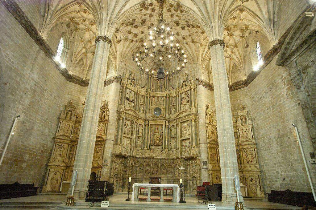 catedral de santa maria de la asuncion barbastro