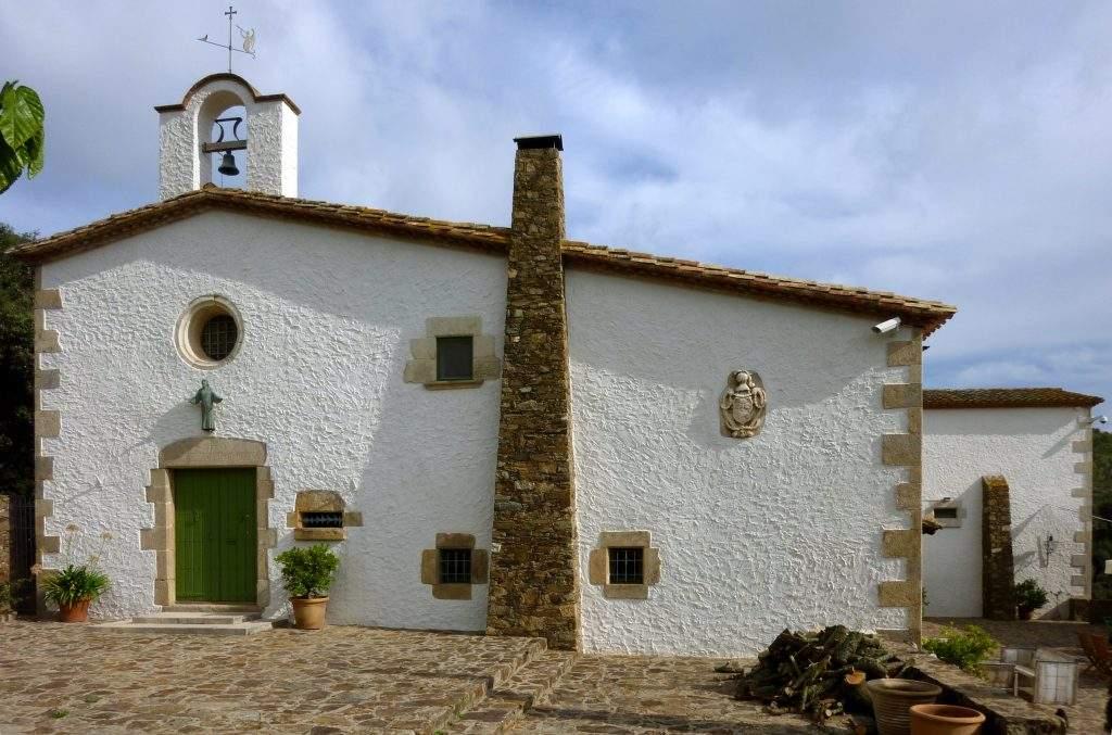 ermita de santa maria de bell lloc palamos