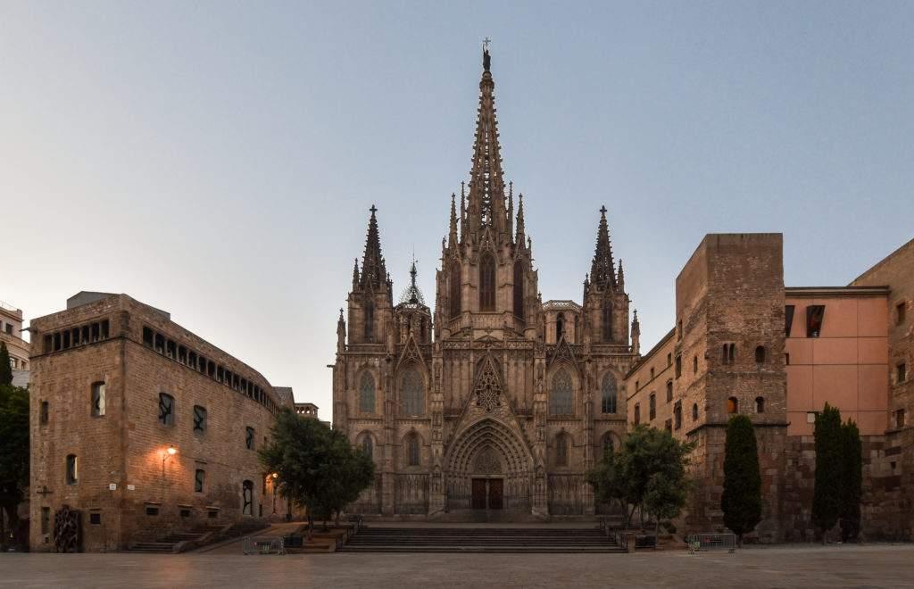 iglesia de la mare de deu de la salut serventes de maria barcelona