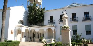 iglesia de las hermanas de la cruz la palma del condado