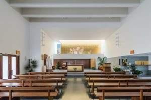 iglesia de san juan pablo ii urbanizacion entrepinos simancas