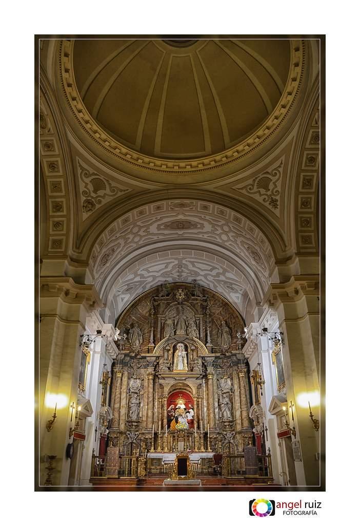 iglesia de santa maria de la paz sagrada mortaja sevilla