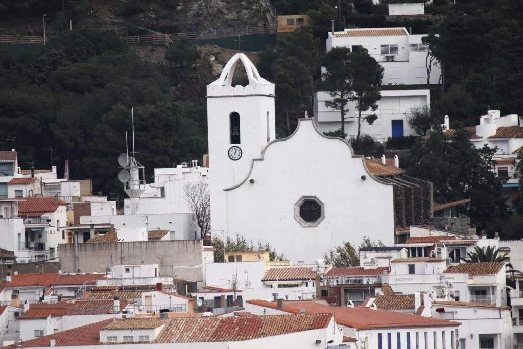 iglesia de santa maria de les neus el port de la selva
