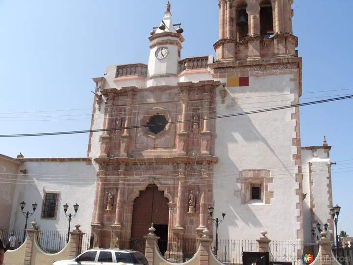 iglesia de villanueva villanueva de colombres