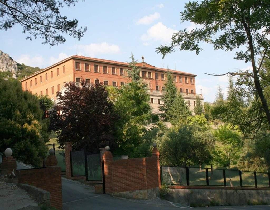 monasterio de san benito benedictinas estella 1
