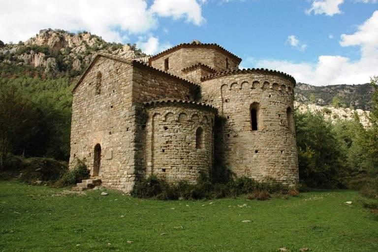 monestir de sant pere de graudescales naves