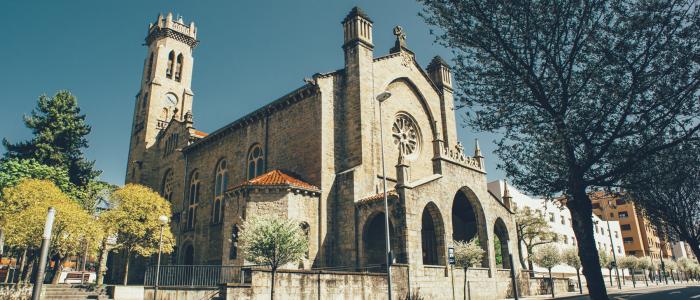 parroquia de el salvador pamplona