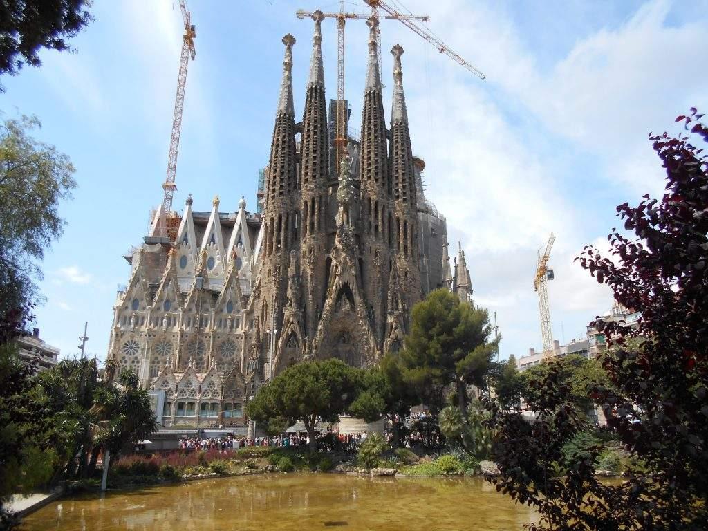 parroquia de la sagrada familia barcelona
