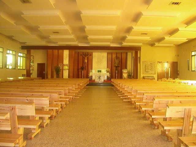 parroquia de la sagrada familia san andres del rabanedo