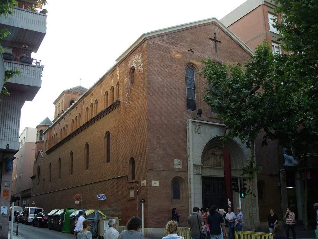 parroquia de la santissima trinitat sabadell