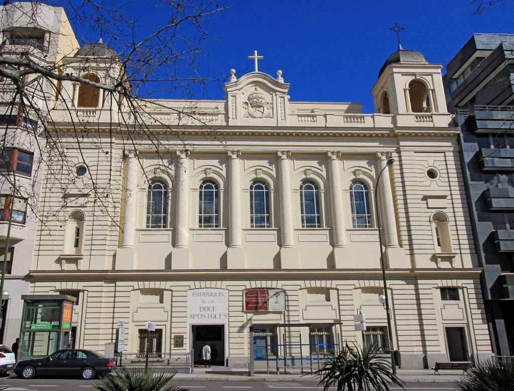 parroquia de los doce apostoles madrid