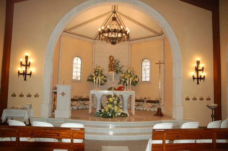 parroquia de nuestra senora de alfinach y del cristo del valle de los monasterios pucol