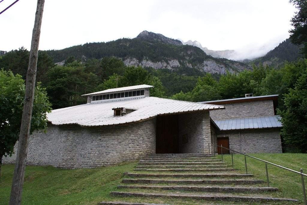 parroquia de nuestra senora del pilar canfranc estacion