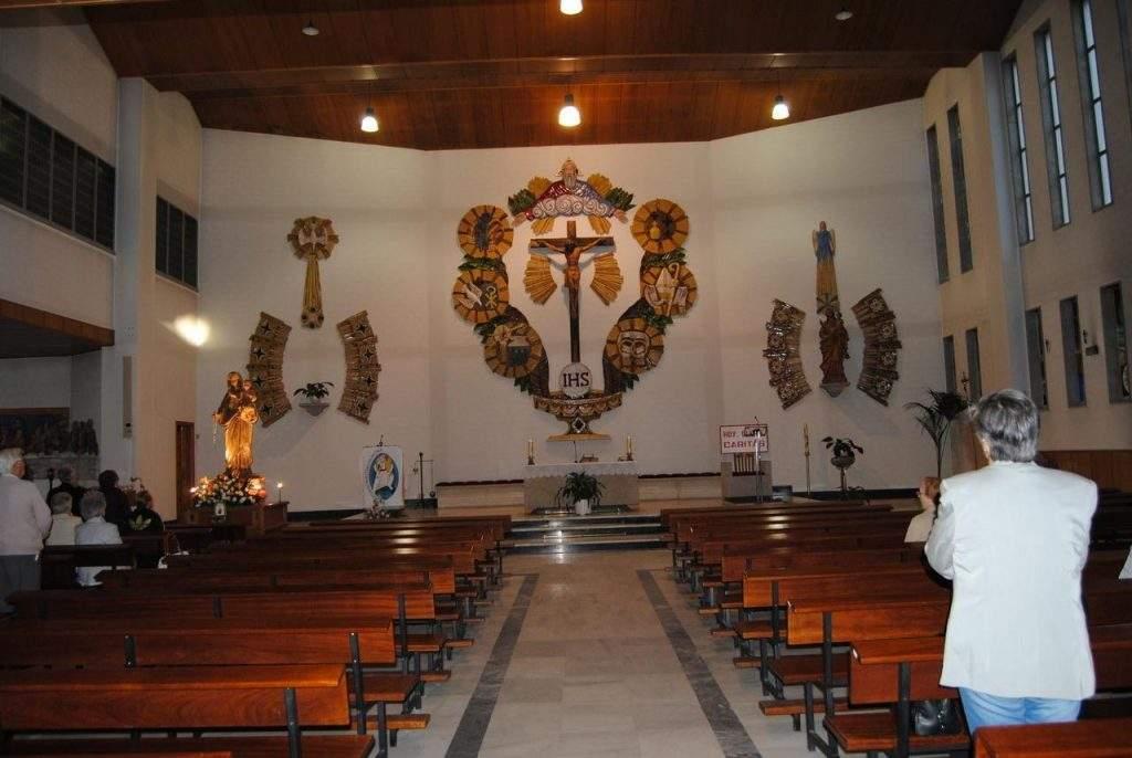 parroquia de nuestra senora del rosario sarria