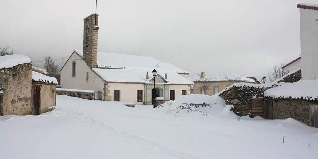 parroquia de san miguel arcangel navarredonda
