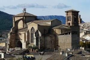 parroquia de san miguel arcangel noain