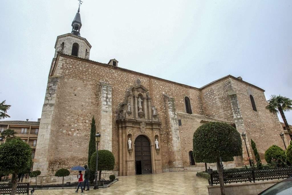 parroquia de san pedro apostol tiedra