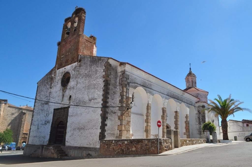 parroquia de san pedro apostol y santa maria magdalena almendral