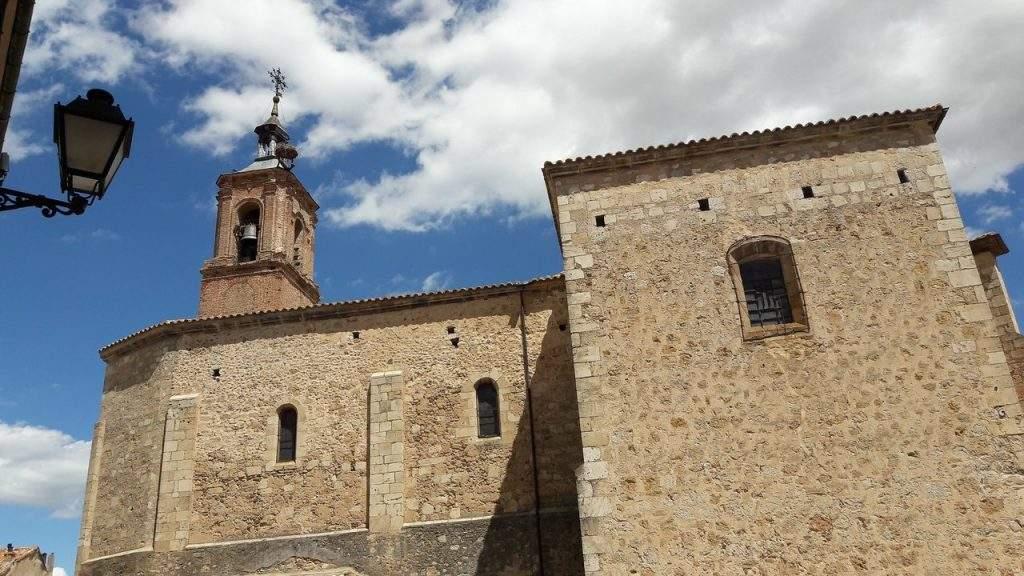 parroquia de san pedro y santa maria almazan