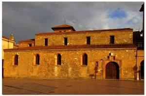 Parroquia de San Tirso el Real (Oviedo)