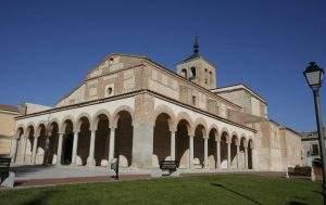 parroquia de santa maria y san pedro olmedo