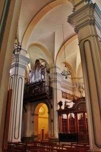 Parroquia de Santiago y San Miguel (Luna)