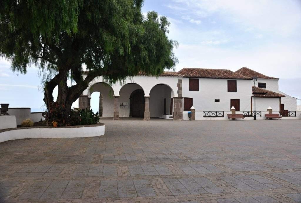 parroquia del amparo icod de los vinos 1