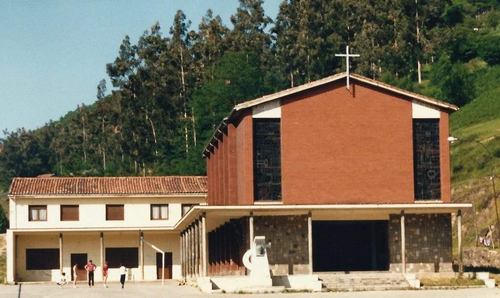 parroquia del santisimo cristo de la misericordia mieres