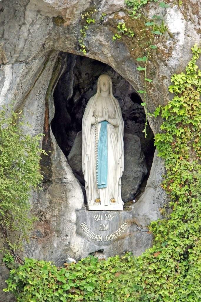 parroquia francesa de la mare de deu de lourdes barcelona