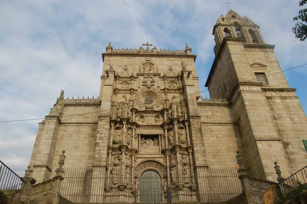 real basilica de santa maria la mayor pontevedra