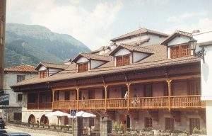 Residencia de Ancianos Félix de las Cuevas (Potes)