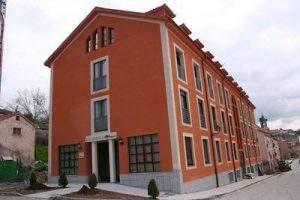 Residencia de Mayores MIAL Salud (La Granja) (Torrelodones)