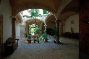 Residència Sant Pere i Sant Bernat (Palma de Mallorca)