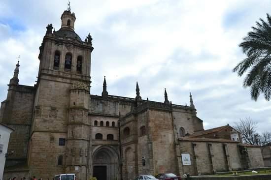 santa iglesia catedral coria