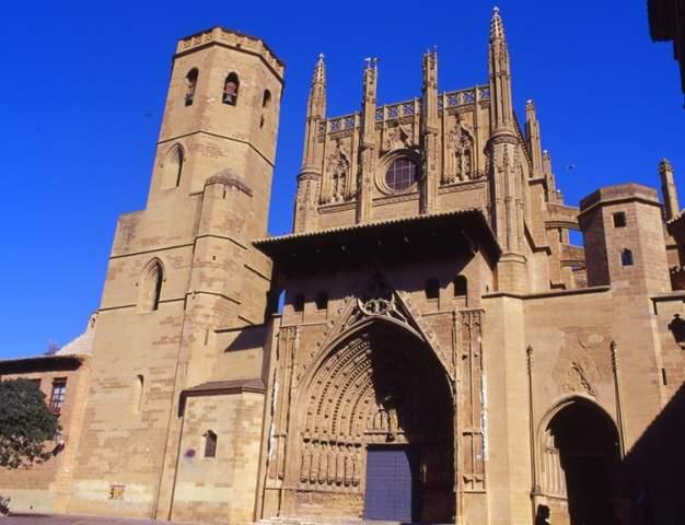 santa iglesia catedral de jesus nazareno huesca