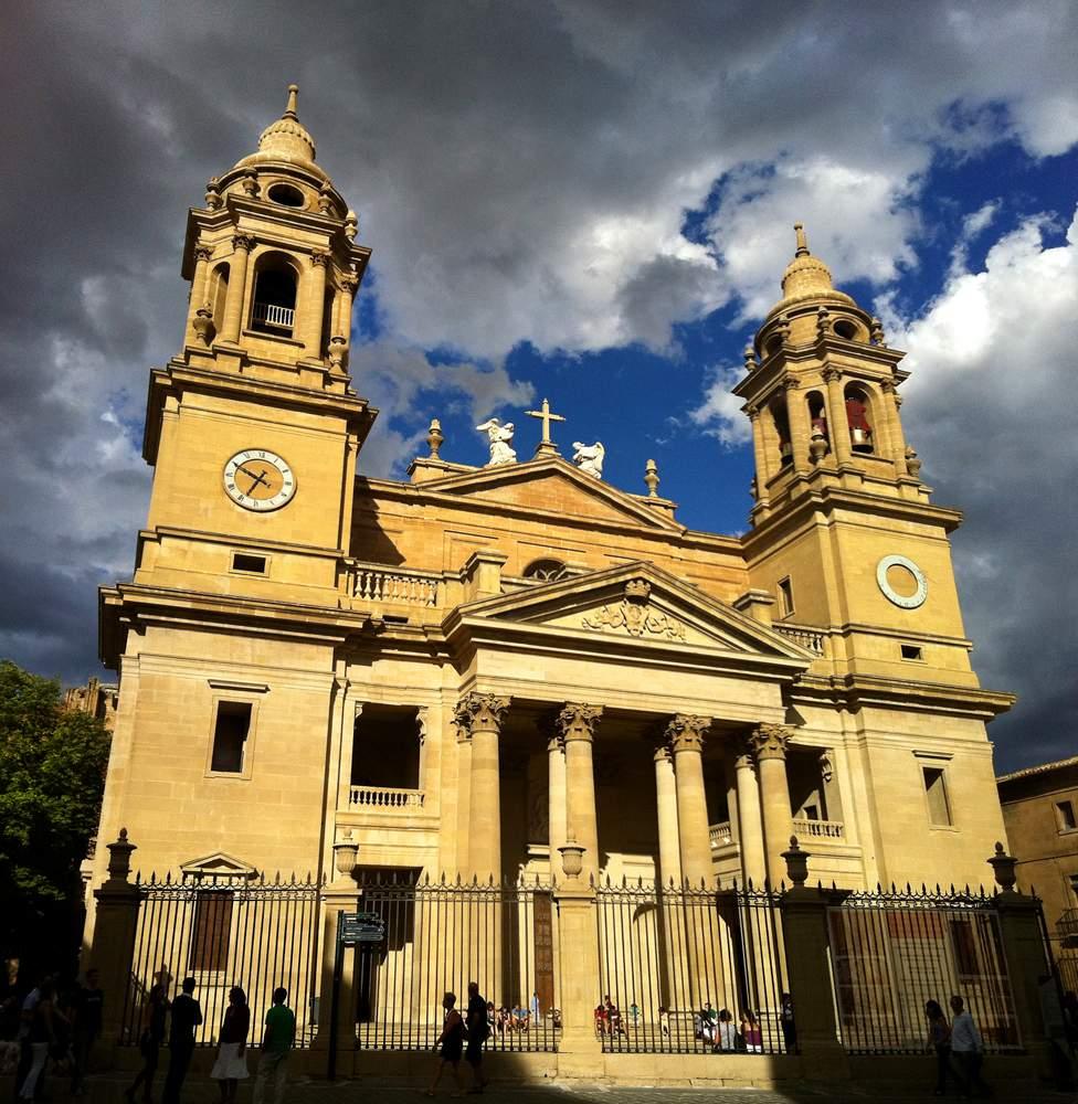 santa iglesia catedral pamplona
